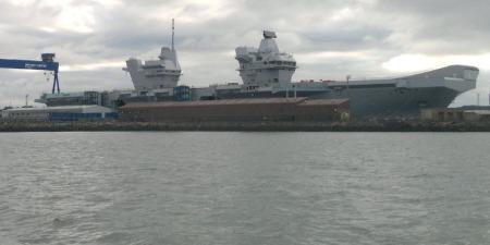 HMS Queen Elizabeth floats