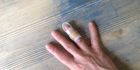 fingerdamage01